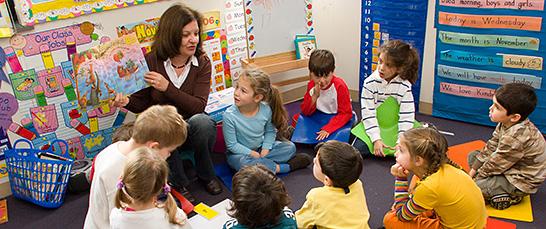 skolka-ucitelka-deti